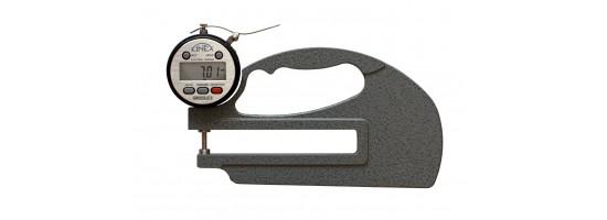 Grubościomierz elektroniczny 0-10/120 mm